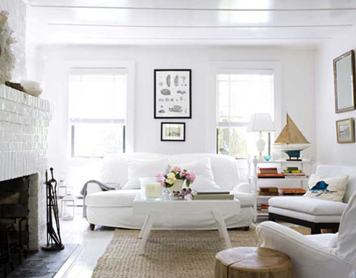 white living room | The Vintage Home