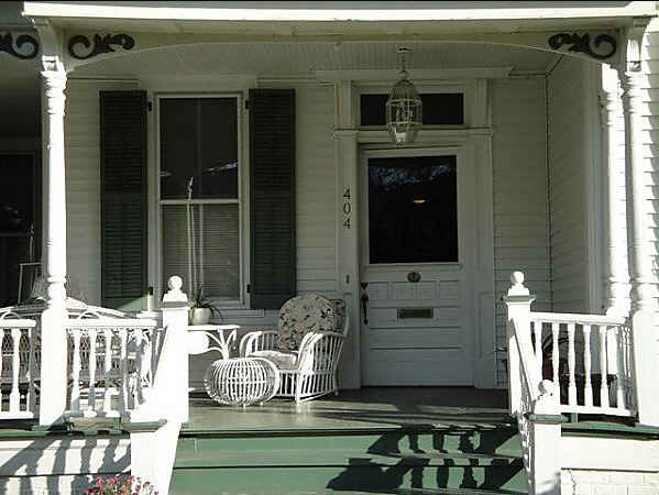 SWE-house-front-porch-front-door | 599 x 450 · 30 kB · jpeg